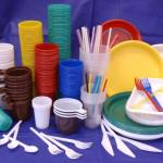 Почему хозяйки активно используют посуду из пластика
