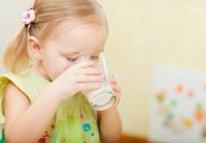 Что нужно знать о безопасном питании малыша? Как выбрать молочные продукты для детей?