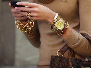Женские наручные часы – модный и полезный аксессуар