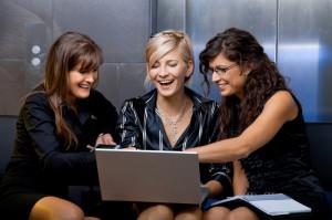 Что нужно учитывать при покупке женской одежды в интернете