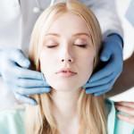 Какие задачи решаются с помощью реконструктивной и эстетической пластической хирургии?