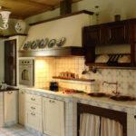Деревянная кухня – лучшее соотношение цены и качества