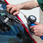 Ремонт стекла на авто – отличная альтернатива покупки нового