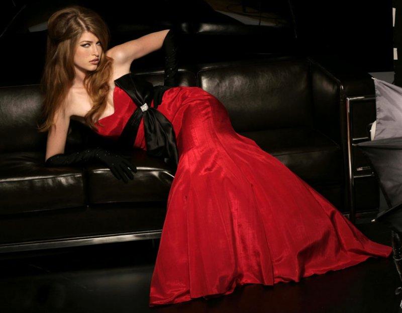 Красное платье – магия для взоров