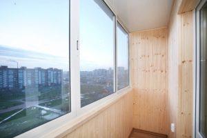 Что дает остекление балкона и лоджии