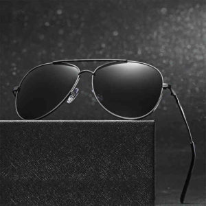 Где можно приобрести оригинальные солнцезащитные очки от известных брендов?