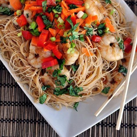 Как приготовить вкусную китайскую лапшу с морепродуктами?