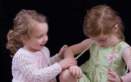 Зачем детям ювелирные украшения?